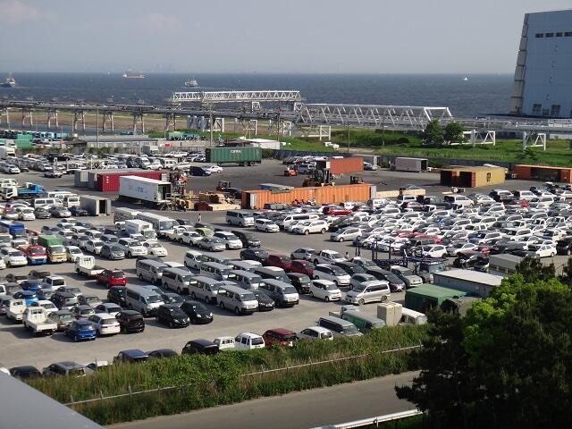 屋上からの駐車場